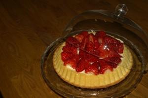 Obstkuchen mit Erdbeeren