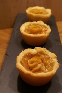 Apfel-Rosen-Törtchen